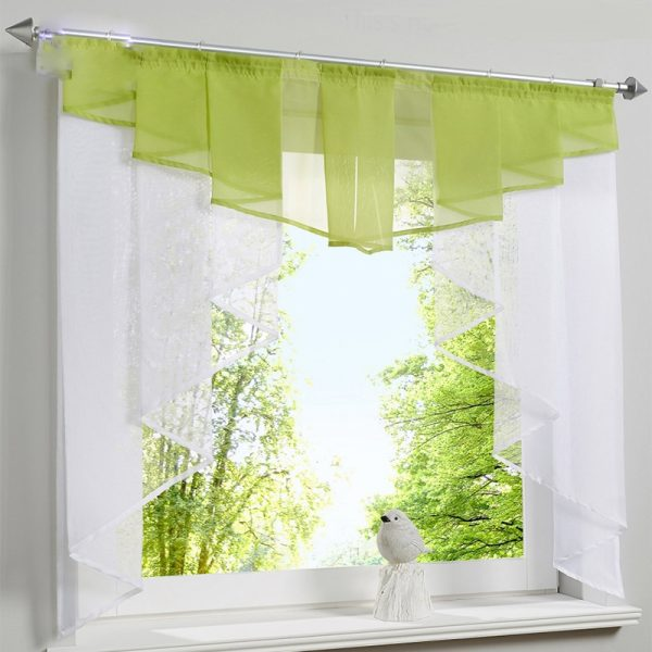 Short curtain for window